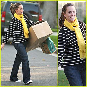 Jennifer Love Hewitt is Boxed In