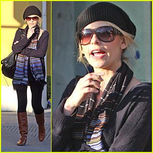 Sarah Michelle Prinze as Hannah Montana