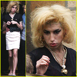 Amy Winehouse Rocks the Courthouse