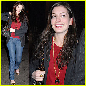 Anne Hathaway Makes Scents