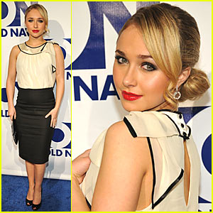 Hayden Panettiere Glams Up Old Navy