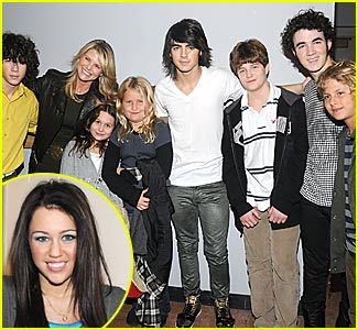 The Jonas Brothers Meet Christie Brinkley