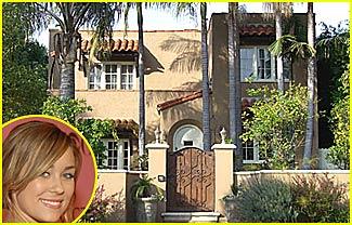 Lauren Conrad Moves into Mini-Mansion