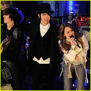 Miley Cyrus' Rockin' New Year's Eve