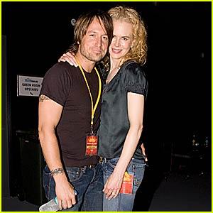 Nicole Kidman Rocks Out to Kings of Leon