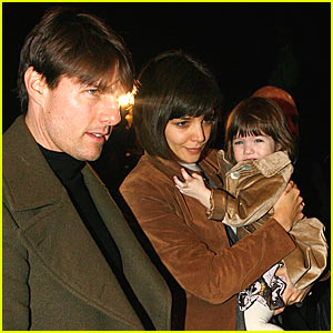 Suri Cruise Blinded By the Flashes