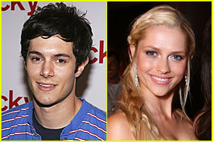 Teresa Palmer & Adam Brody Heating Up