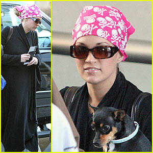 Pink Carrie Underwood and the Puppy