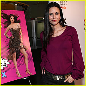 Courteney Cox Dishes the Dirt