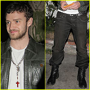 Justin Timberlake Tries Boot/Tuck
