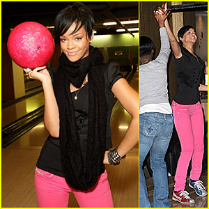 Rihanna is a Bowling Babe