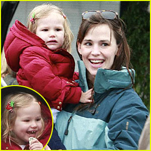 Violet Affleck is a Farmers Market Fanatic