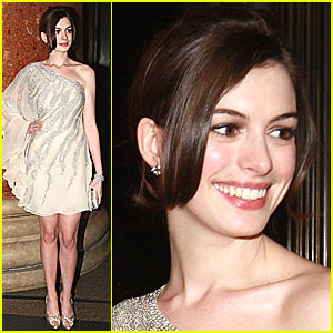 Anne Hathaway @ Museum of Natural History's Winter Dance