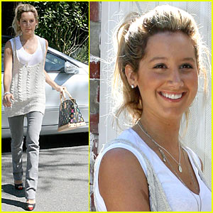 Ashley Tisdale's French Bakery Breakfast