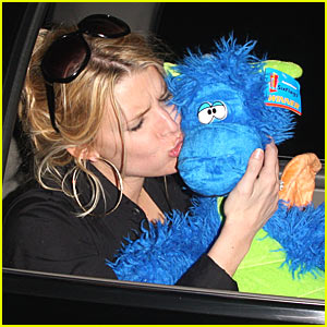 Jessica Simpson Caught Sucking Face (Not Tony!)