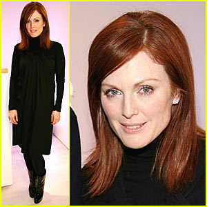 Julianne Moore Spits at Spitzer
