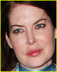 Lara Flynn Boyle's Face -- What Happened to it?