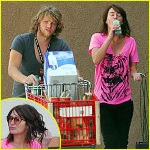 Lena Headey Makes a Groceries Run