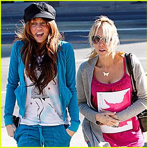 Miley Cyrus: Say Cheesecake!