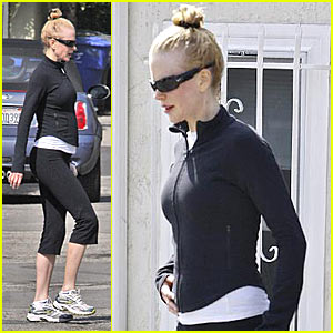 Nicole Kidman: The Baby Bump Watch Continues!