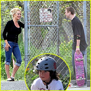 Pam Anderson Cruises the Skateboard Park