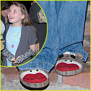 Abigail Breslin Wears Monkeys On Her Feet