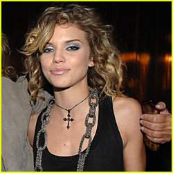 AnnaLynne McCord Joins 90210 Spin-off