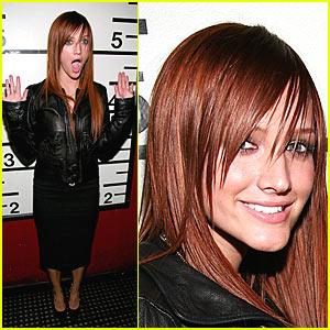 Ashlee Simpson - Viva La Karaoke!