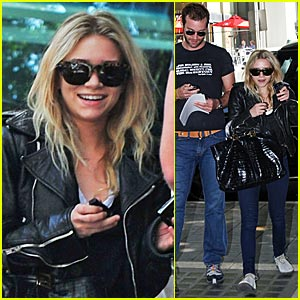 Ashley Olsen... SMILING!
