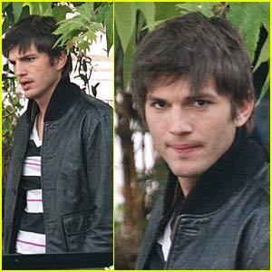 Ashton Kutcher Likes to Spread 'Em