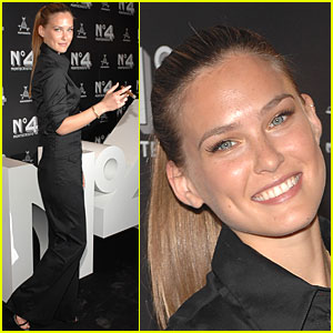 Bar Refaeli Counts Her Montecristos