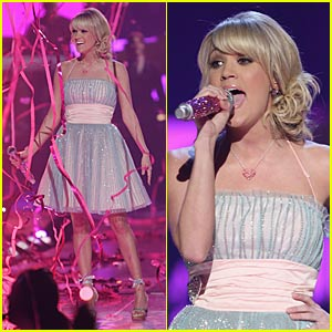 Carrie Underwood Performs at the 2008 CMT Music Awards