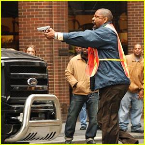 Denzel Washington Takes Pelham 123