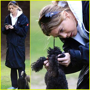 Ellen Pompeo Plays With Her Pooches