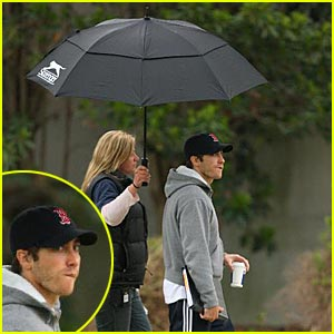 Jake Gyllenhaal: You Can Stand Under My Umbrella