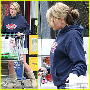 Jamie Lynn Fetches the Groceries