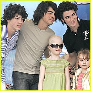Jonas Brothers Mania in Mexico