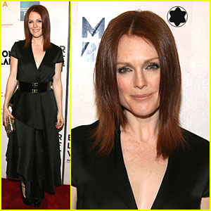 Julianne Moore - Fish Out of Water