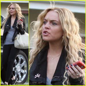 Lindsay Lohan is Harried at the Hair Salon