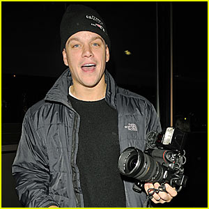 Matt Damon is Paparazzi in Training