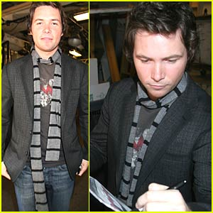 Michael Johns Idolized at Regis and Kelly