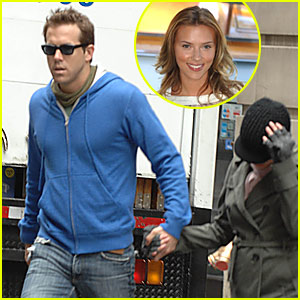 Ryan Reynolds: Scarlett's Still My Sunshine