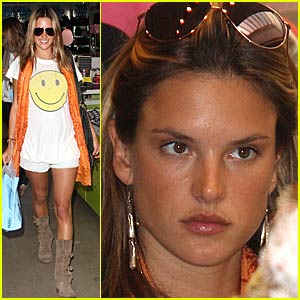 Alessandra Ambrosio is a Smiley Face