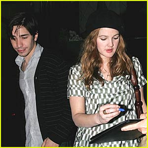 Drew Barrymore and Justin Long Chow Down Chow