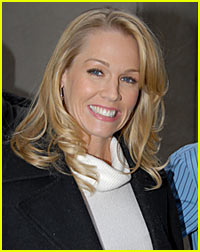 Jennie Garth Joins 90210 Spinoff -- It's Official!