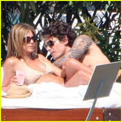 John Mayer Gives Jennifer Aniston Two Thumbs Up