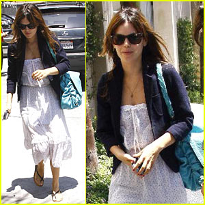 Rachel Bilson is a Hollywood Hottie