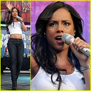 Alicia Keys Sizzles for Summer Jam