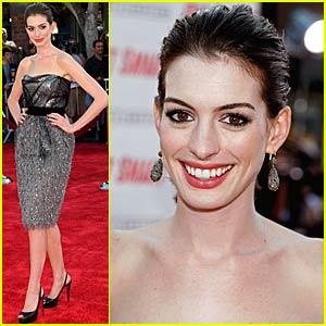 Anne Hathaway Gets Smart With Her Boyfriend