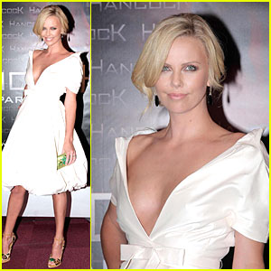 Charlize Theron's Poofy Premiere